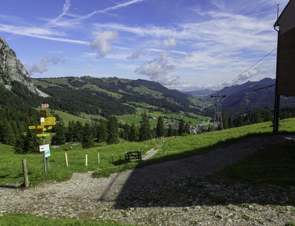 Blick von der Holzegg ins Alpthal